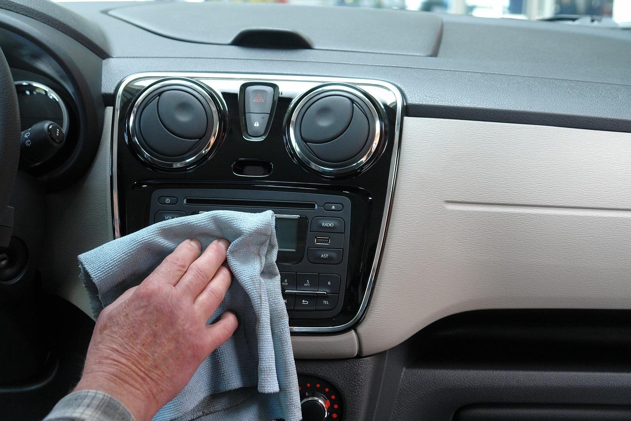 5 cosas que no hay que dejar adentro del auto