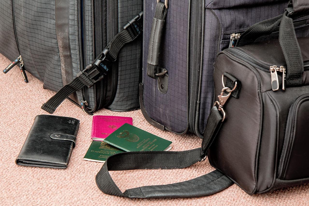 organizar el baúl del auto para un viaje